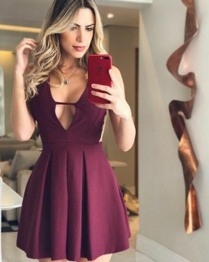 Simple Pleated Satin V-neck Burgundy Homecoming Dress HD3075