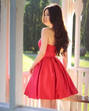 Elegant Simple Satin Sweetheart Ruched Homecoming Dress HD3406