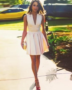 Simple Pink Pleated Deep V-neck Pearl Short Homecoming Dress HD3485