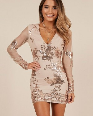 Bodycon Champagne V-neck Sequin Homecoming Dress with Long Sleeves HD3563