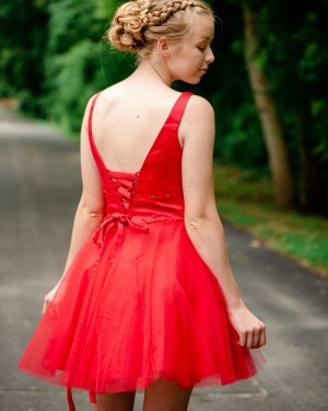Simple Red Tulle Beading V-neck Homecoming Dress HD3570