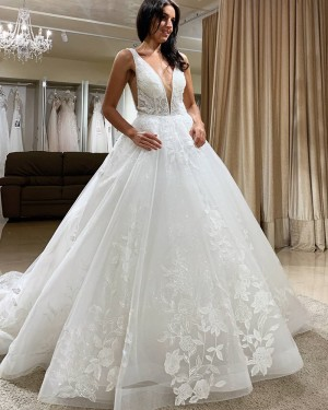 Lace White Tulle V-neck A-line Wedding Dress WD2405